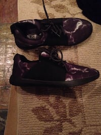 Gym shoes size 4 used one time great condition make offer if you interested ! Bolingbrook, 60490