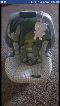 Graco classic click carseat like new Calgary, T3Z 1G8