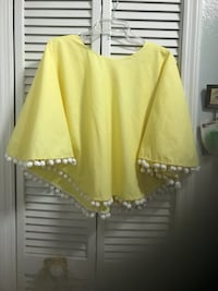 Yellow and white poncho blouse brand new Saint Cloud, 34769