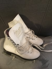 Girls size 13 skates.  Great condition  Waterloo, N2K 4L5