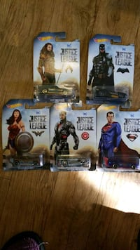 5 Justice league hot wheels
