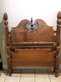 Vintage twin beds (2) Sayville, 11782