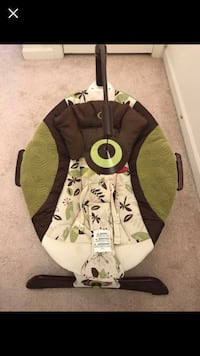 Baby vibrating musical seat with mobile Germantown, 20874