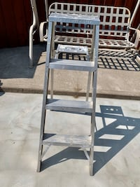 4ft Step Ladder