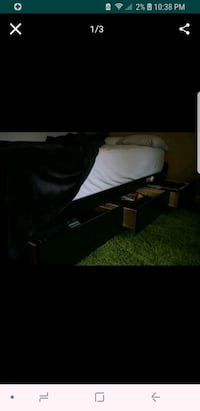 Queen bed frame Concord