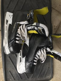 Hockey Skates - Bauer Supreme Size 5.5 Richmond Hill, L4C 7N1