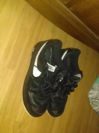 pair of black Nike low top sneakers Augusta, 30906