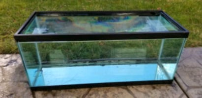 20 gal fish tank with critter lid n clips