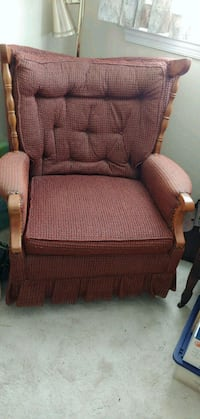 Early American swivel rocker Rockville, 20852