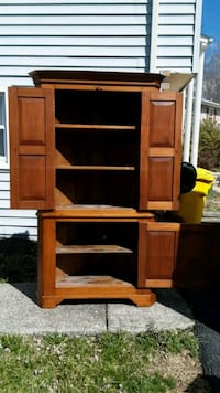 Beautiful Antique Corner Cabinet Gambrills, 21054