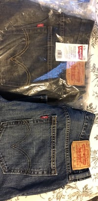 blue Levi's denim bottoms Dumfries, 22025