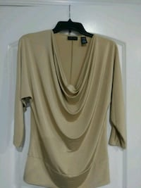 Ladies Blouse Size M Falling Waters, 25419