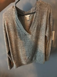 Forever 21 Grey sweater S