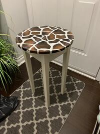 Animal print accent table  Toronto, M6S 5A7