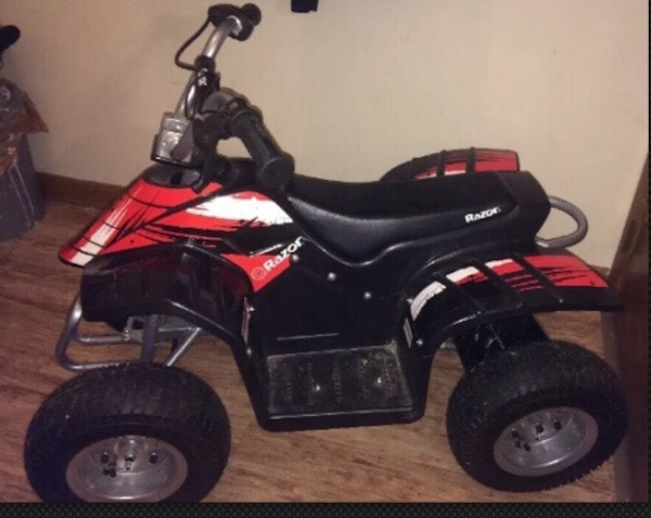 Razor dirt quad battery powered 4 wheeler plus charger