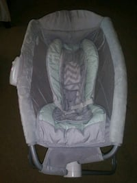 baby's white and gray bassinet Weslaco, 78596