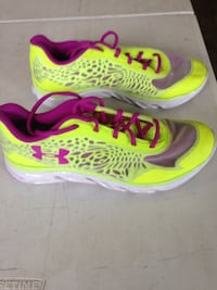 pair of pink-and-green Nike running shoes Knoxville, 21758