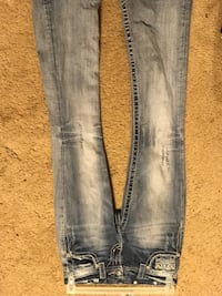 Distressed blue-washed jeans Midlothian, 76065