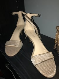 Gold sparkle sexy sandal low heels -new Laval, H7G 3X4