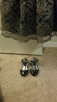 pair of black patent leather ankle-strap sandals Glenn Heights, 75154