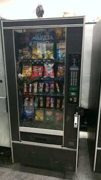 Snack vending machine fully working  30 km