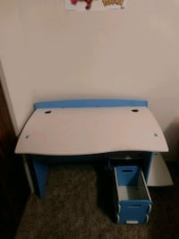 LEGARE Kid's Desk - Easy No Tool Assembly!