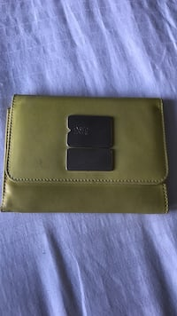 Yellow leather wallet  Vancouver, V6J 1J6