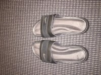 Nike slides, size 10-11 Mens. Great condition, barely worn  Vancouver, V6B