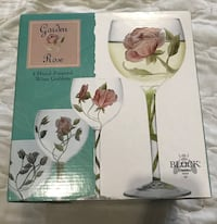 4 Hand Painted Wine Glasses Roses Chantilly, 20152