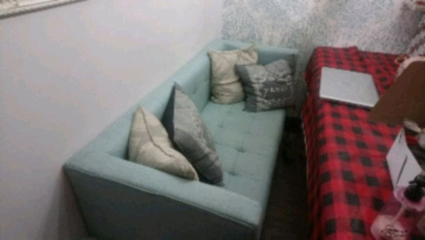 Tufted couch 0