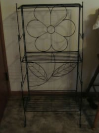 black metal floral shelf rack Springfield, 65802