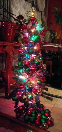 4 ft Christmas tree with lights and decorations St. Louis, 63125