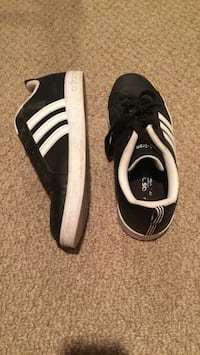 pair of black-and-white Adidas sneakers Shawnigan Lake, V0R