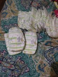 white-and-green disposable diaper lot Nacogdoches, 75964