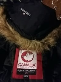 Super triple goose Canada brand new winter coat woman's medium St. Thomas, N5P 3Z2