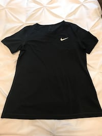 black Nike crew-neck t-shirt Vaughan, L4L