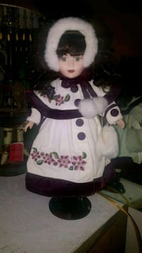 Victorian Collection Limited Edition Porcelain Dol Mesquite, 75150