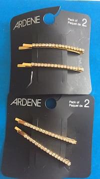 Gold coloured diamond Ardene hairpins Delta, V4C
