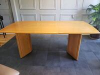 Table and Hutch Laval, H7H 1C9