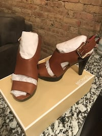 Michael Kors brown heels Chicago, 60657
