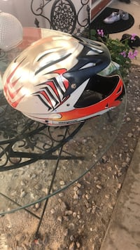 red and white full-face helmet Los Angeles, 91307