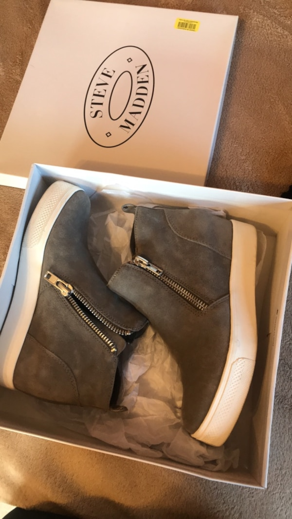 8b897c3c89e Used Brown steve madden suede wedge booties with box for sale in Amarillo -  letgo