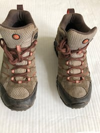 Women's Merrell Moab Mid Hiking Waterproof Brown Tan Boots Sz 7.5