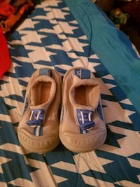 Size 3 baby water shoes Johnstown, 12095