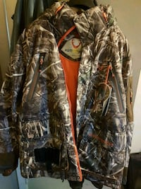 Realtree APC winter jacket hunting $120 New 586 km