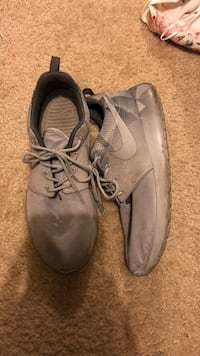 Pair of gray leather shoes Savannah, 31419
