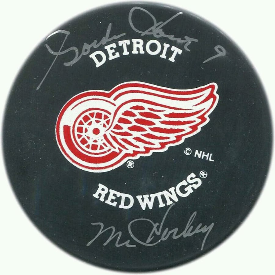 Goldie Howie autographed  hockey puck