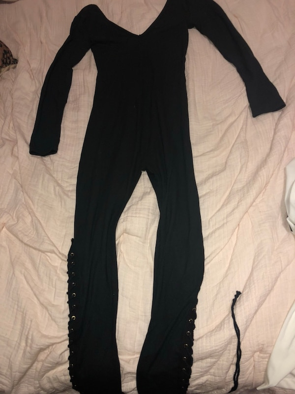 798d07ab38f Used Fashion nova Black   gold long sleeve jumpsuit size M for sale in San  Pablo - letgo