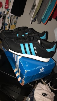 Pair of black adidas superstar shoes with box Houston, 77090