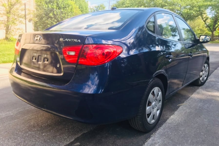 Royal Blue 2007 Hyundai Elantra *** No codes on engine ' Clean Title  3